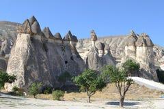 Det naturliga landskapet för marsinvånare av den Cappadocia regionen Royaltyfri Foto