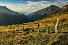 Det nya berglandskapet runt om den Primavera kojan, Colombia Arkivfoton