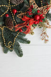 Det nya året eller jul tapetserar med röd garnering Royaltyfria Foton