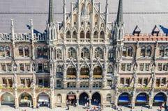 Det nya stadshuset är ett stadshus på den nordliga delen av Marienplatz i Munich Fotografering för Bildbyråer