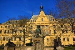 Det nya stadshuset (tjeck: Novoměstská radnice), gamla byggnader, ny stad, Prague, Tjeckien Royaltyfria Foton