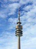 Det olympiska tornet (Olympiaturm), Munich, Tyskland Fotografering för Bildbyråer