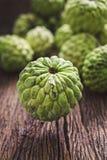Det organiska vaniljsåsäpplet, sockeräpplet, ingen sweetsopfrukt retuscherar sk Arkivfoton