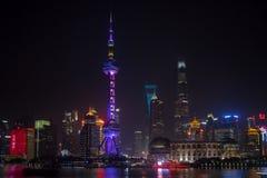 Det orientaliska pärlemorfärg TVtornet i Shanghai Fotografering för Bildbyråer