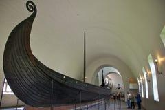 Det Oseberg skeppet i Viking Ship Museum Arkivbild