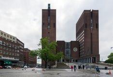 Det oslo stadshuset Konstruktionen som startades i 1931, men var PA Royaltyfri Bild