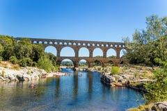 Det pittoreska landskapet med akvedukten Pont du Gard, Frankrike Arkivbilder