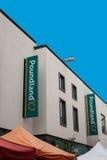 Det Poundland lagertecknet shoppar framdelen Royaltyfria Bilder