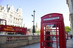 Det röda telefonbåset, London, UK Fotografering för Bildbyråer