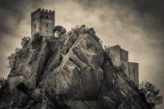 Det Roccascalegna spöketornet på vagga, Abruzzo Arkivfoton