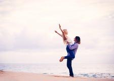 Det romantiska barn kopplar ihop royaltyfria bilder