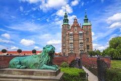 Det Rosenborg slottet är slottet som placeras på mitten av Köpenhamnen, Danmark Fotografering för Bildbyråer
