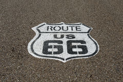 Det Route 66 emblemet Royaltyfri Bild