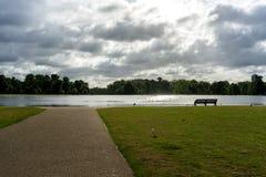 Det runda dammet på den Kensington slotten Arkivfoton