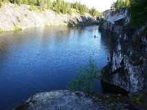 Det Ruskeala berget parkerar, Karelia Ryssland royaltyfri foto