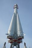 Det ryska rymdskeppet Vostok är i huvudsaklig nationell utställningmitt i Moskva Arkivbilder
