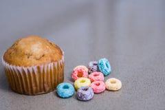 Det ` s en frukostTid muffin fotografering för bildbyråer