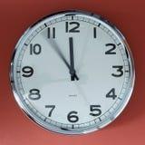 Det ` s fem minuter till tolv Fotografering för Bildbyråer