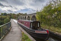 Det smala fartyget Chirk på akvedukten Fotografering för Bildbyråer