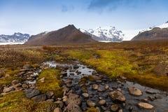 Det steniga steniga öde landskapet av Island Arkivfoton