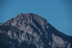 Det steniga berg nå en höjdpunkt Arkivbilder
