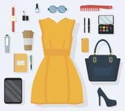 Det stilfulla begreppet av varje dag bär och utrustar tillbehör för kvinnor i plan stil stock illustrationer