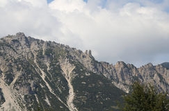 det stora landskapet av italienska berg kallade Venetian Prealps Royaltyfria Bilder