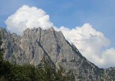 det stora landskapet av italienska berg kallade Venetian Prealps Arkivbild