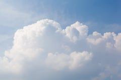Det stora molnet på himlen Royaltyfri Bild