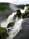 Det storartade Iguazuet Falls, en av de sju underna av v?rlden arkivbilder