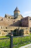 Det 11th århundradet för Svetitskhoveli domkyrka i Mtskheta i sommardag Mtskheta en av de äldsta städerna av Georgia arkivfoto