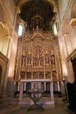 det 15th århundradet retable i Coimbra den gammal domkyrkan eller Se Velha Royaltyfria Bilder