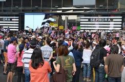 Det thailändska folket protesterar mot korruption av den Thaksin regeringen på centralt Siam område Royaltyfria Foton