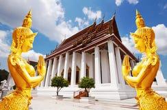 Det Thailand bangkok loppet, Wat Ratchanaddaram är viktig turist D Arkivbild