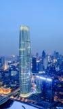Det Tianjin tornet på natten Royaltyfri Foto
