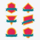 Det tomma färgrika geometriska emblemet och baner planlägger beståndsdeluppsättningen vektor illustrationer