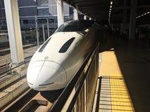 Det toppet uttrycker modellen Kyushu Shinkansen 800 arkivfoto