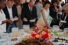 Det Townhall folket firar Royaltyfria Foton