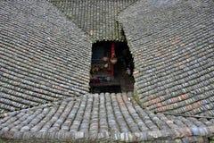 Det traditionella fyrkantiga huset i forntida by för Qin klan i det Guangxi landskapet i Kina Royaltyfria Foton