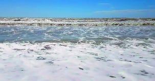 Det tropiska karibiska strandhavet med guld- sand, ferie, kopplar av och arkivfilmer