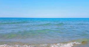 Det tropiska karibiska strandhavet med guld- sand, ferie under blå himmel och havet, kopplar av och reser begreppet, sömlös ögla arkivfilmer