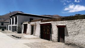 Det typiska tibetana huset arkivbild