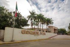 Det välkommet undertecknar in Chichen Itza nära Cancun i Mexico Royaltyfria Bilder