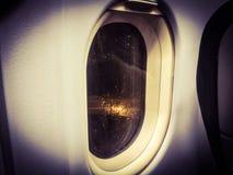 det varaa flygplan har bilden borttagna siktsfönstret Arkivfoto