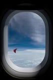 det varaa flygplan har bilden borttagna siktsfönstret Fotografering för Bildbyråer