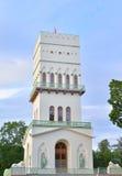 Det vita tornet i Tsarskoe Selo Arkivfoton