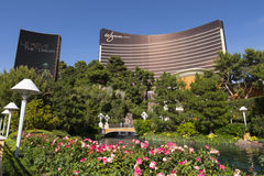 Det Wynn hotellet och tecknet under dagtid i Las Vegas Arkivfoton