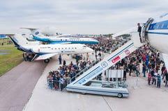 Det Zhukovsky flygfältet, vänder ombord TUEN-144 på MAKS Arkivfoton