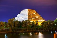 Det Ziggurat kontoret som buiding i Sacramento Arkivfoton