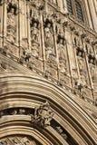 Detail über Fassade von Parlamentsgebäuden, Westminster; London, Stockbild